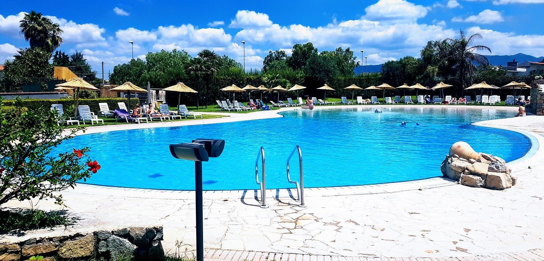 solarium-piscina-scafati-esterna